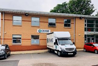 Crane Worldwide Truck vor dem Büro in Aberdeen