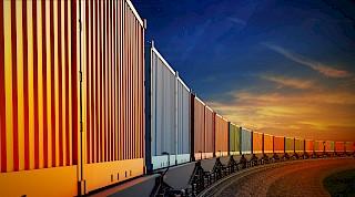 Schienengüterverkehrsladung in einem Zug