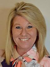 Maxine Krajniak leader del settore della logistica delle crociere presso Crane Worldwide Logistics